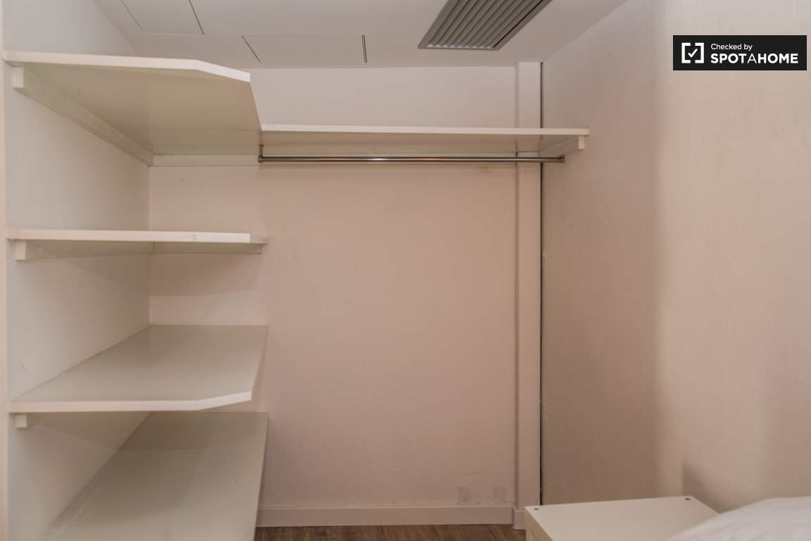 CLOSET BEDROOM 3