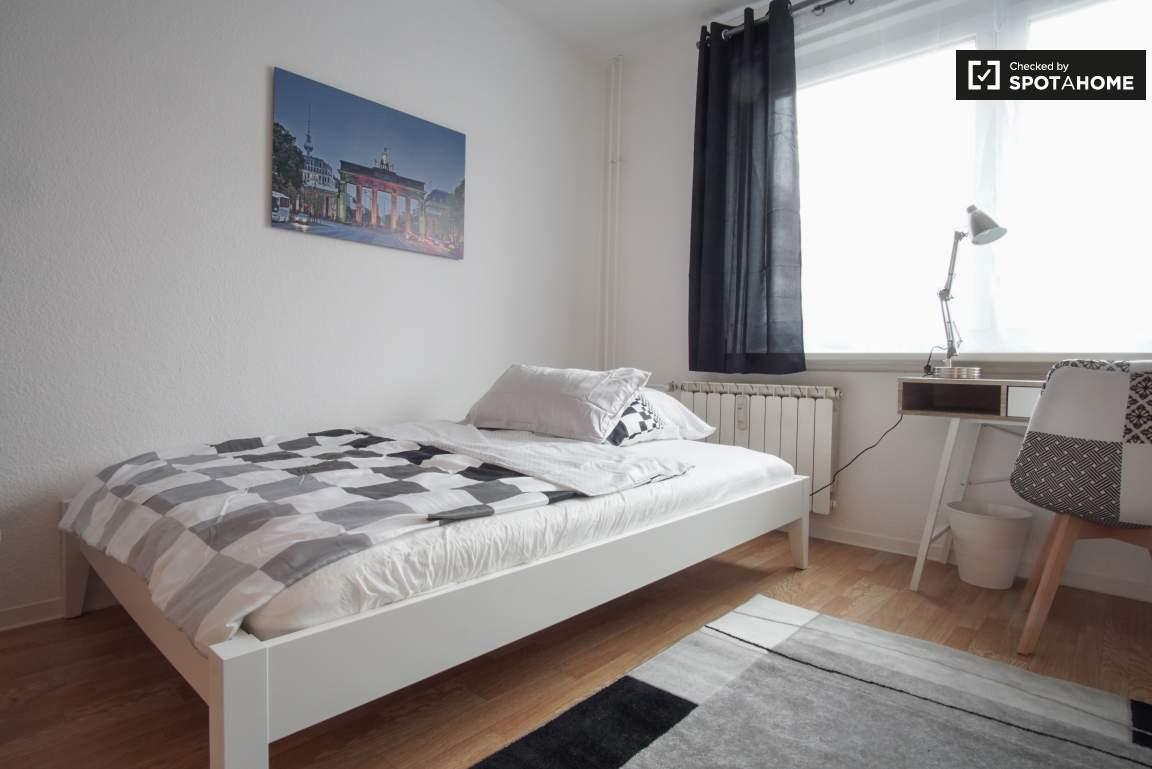 Delicieux Simple Good Studio Apartments Definition 4444 Trendy Studio Apartment For  Rent In Lichtenberg Berlin Ref ...