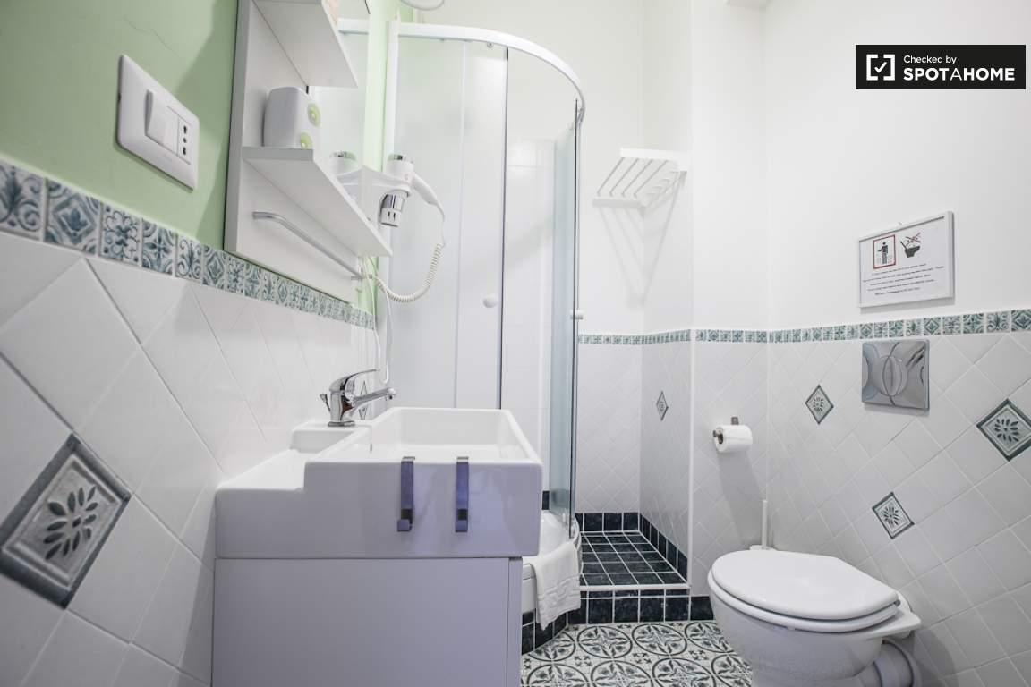 Bathroom room 2