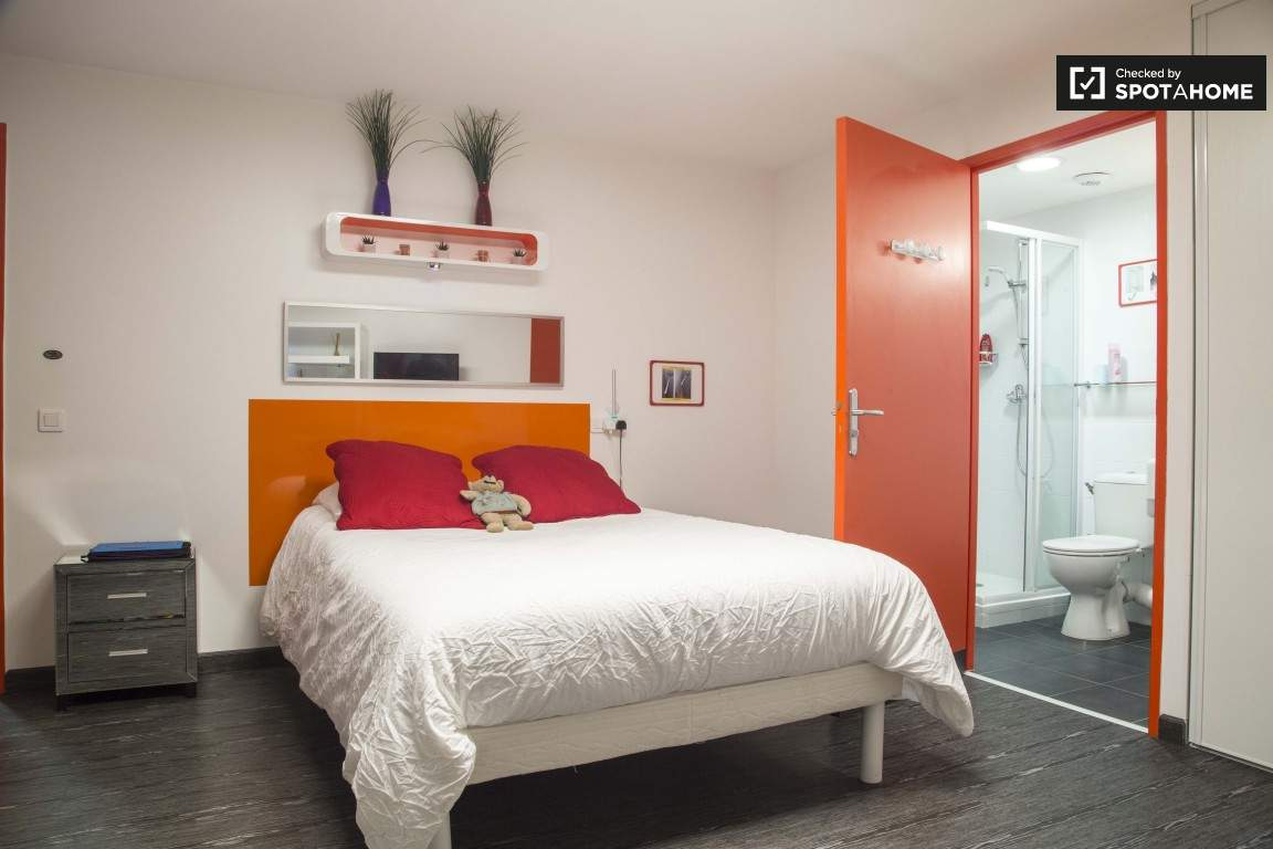 Bedroom (Confluence)
