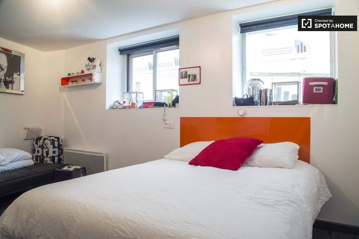 Bedroom (Lumiere)