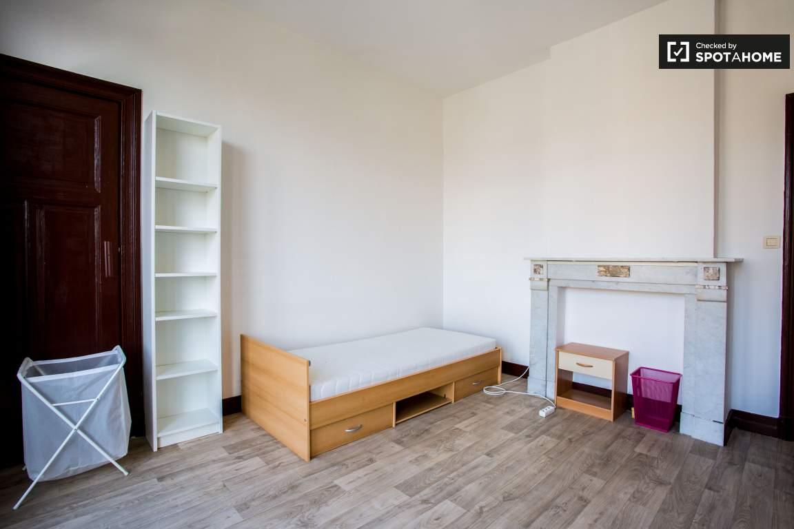 Bedroom 1 (lower floor)