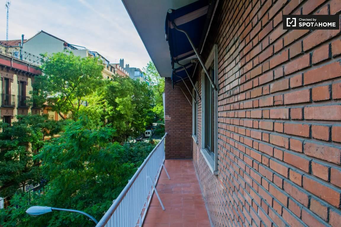 Balcony (bedroom 6 and 7)