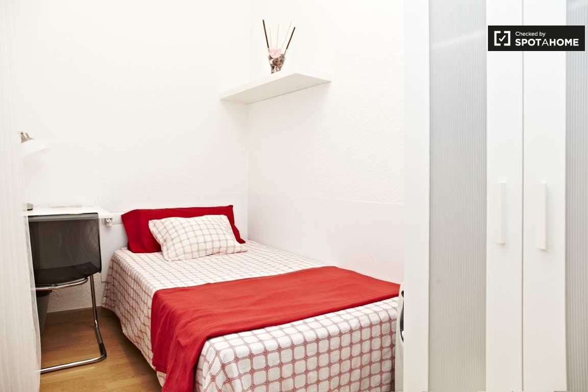 Basic bedroom