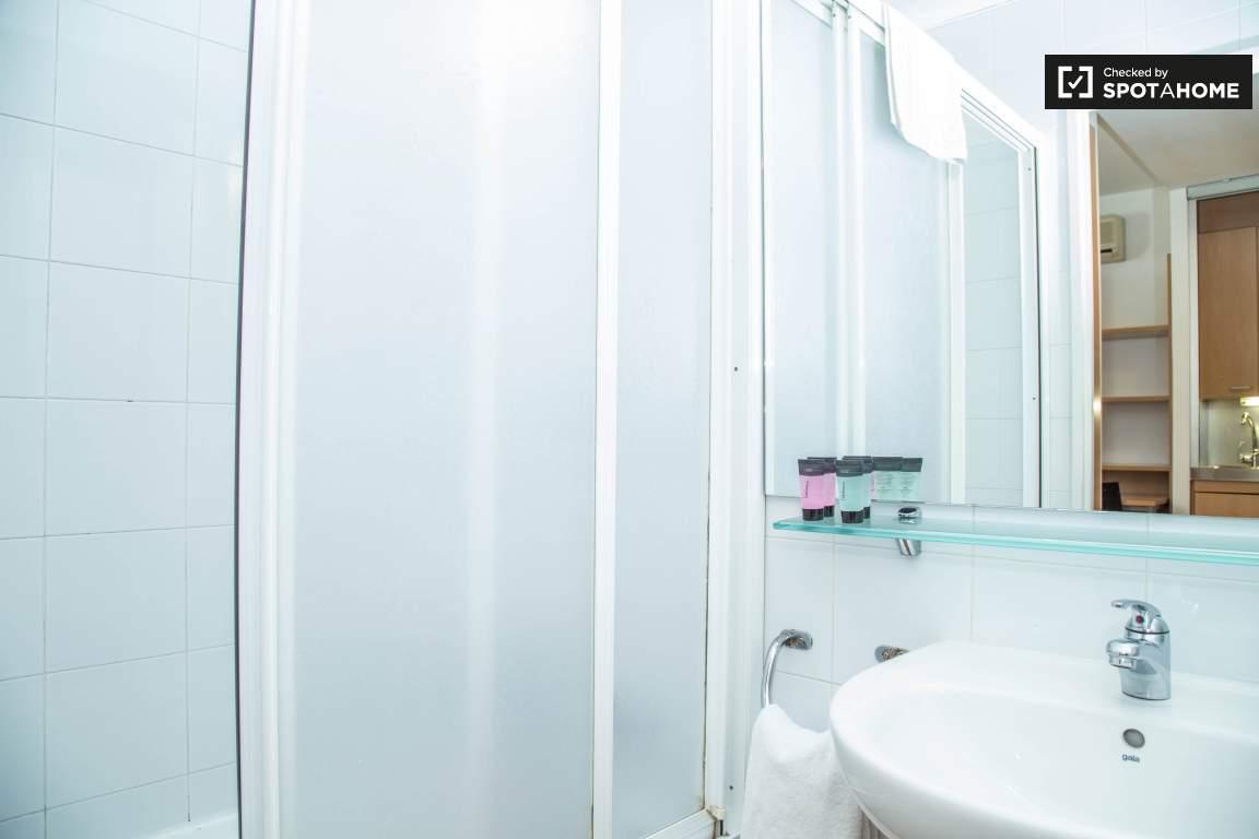 Bathroom double bedroom