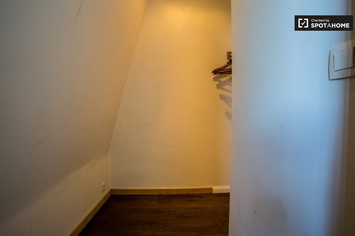 Bedroom 1 - Closet