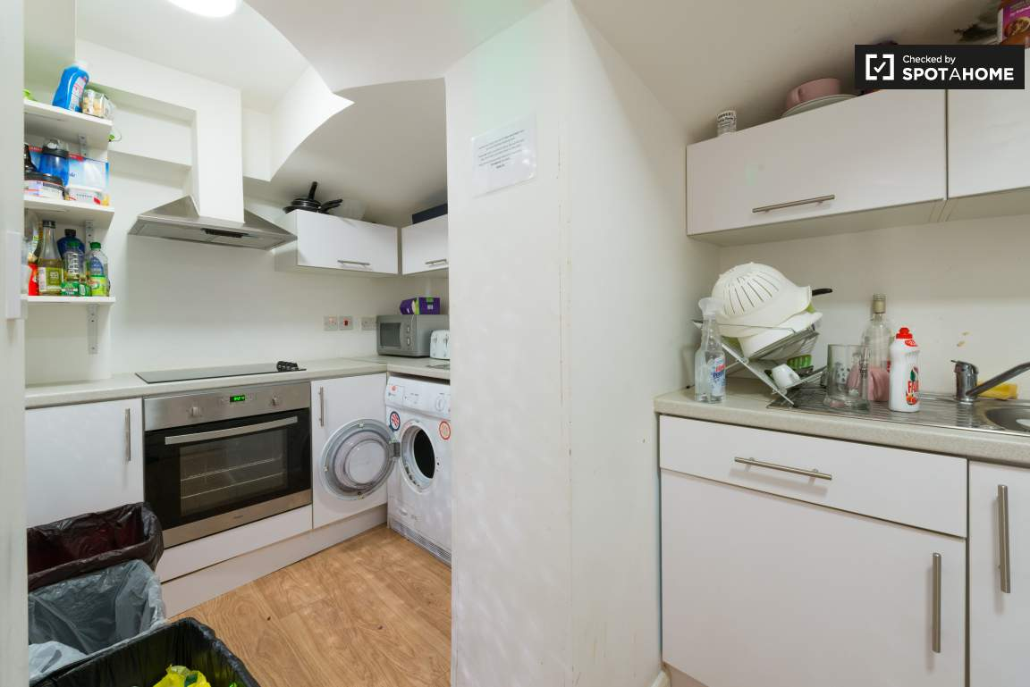 Kitchen 1 & 2