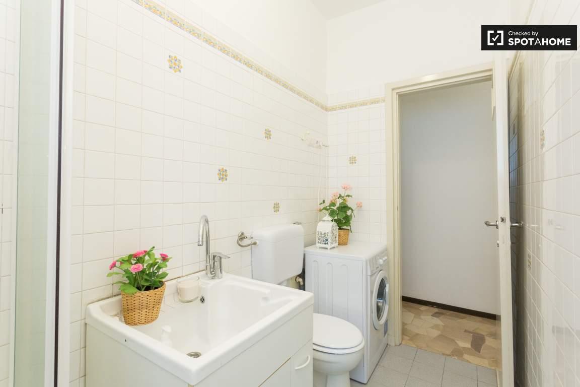 Bathroom/Laundry area
