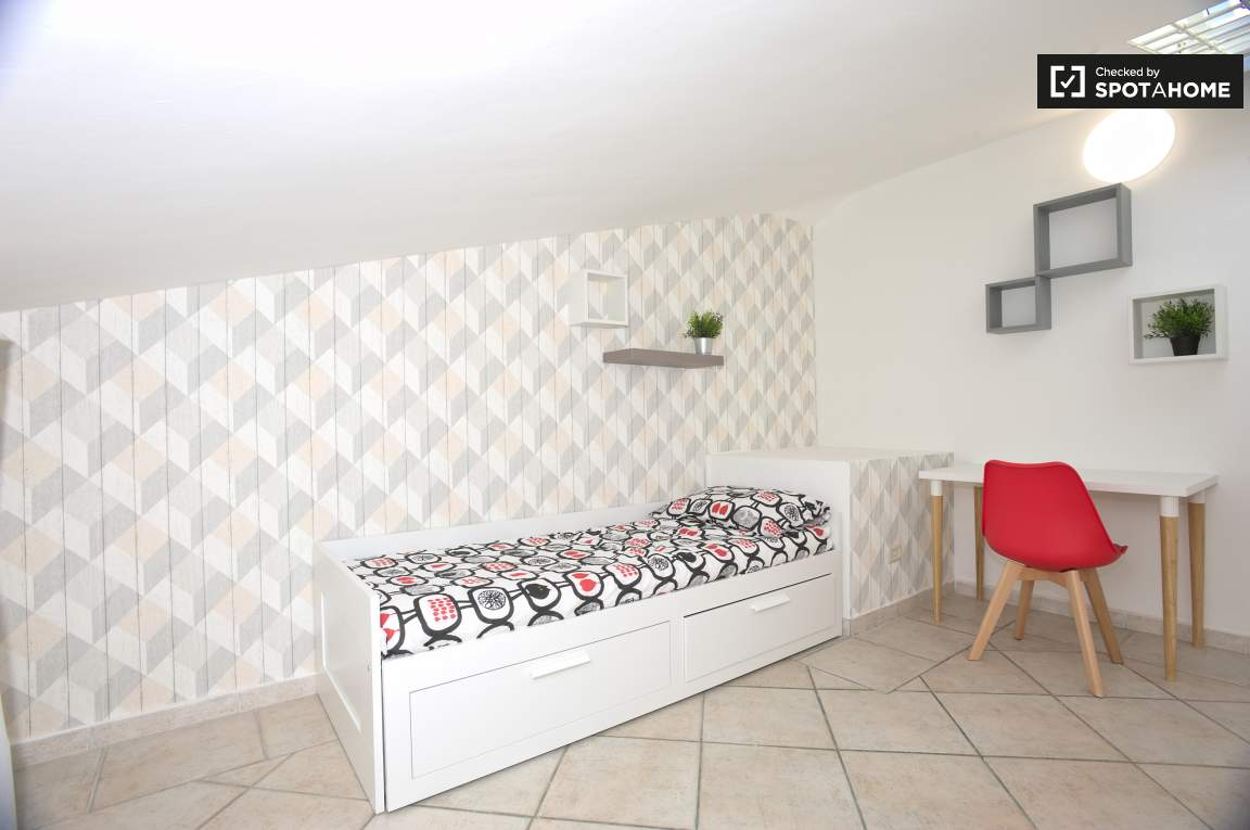 Bedroom 3 (Gamma)