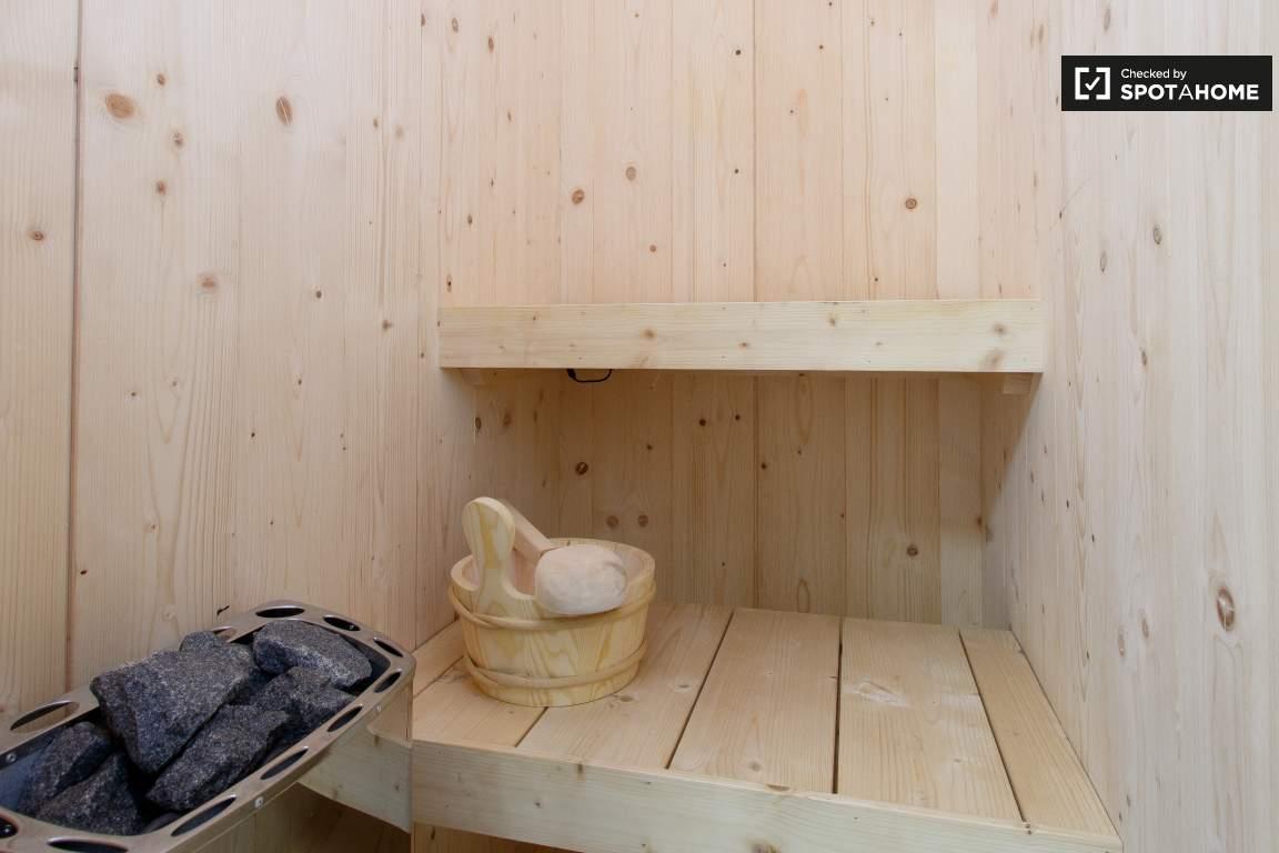 Sauna (bedroom 1)
