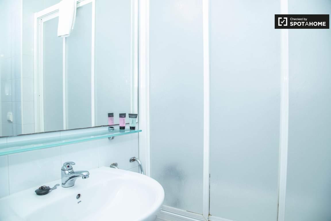 Bathroom single bedroom