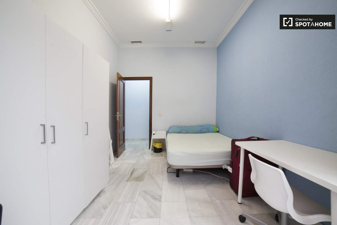 Bedroom 4 (374)