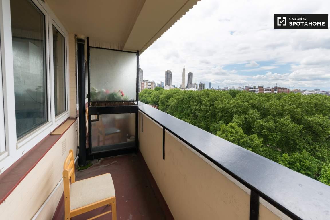 Balcony (A)