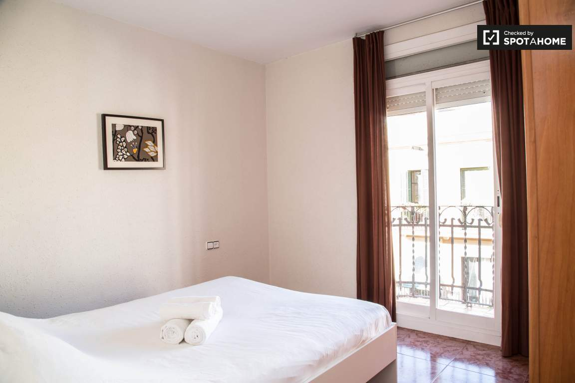 Exterior Rented Apartment In Poble Sec Barcelona Ref 85345  # Muebles Poble Sec