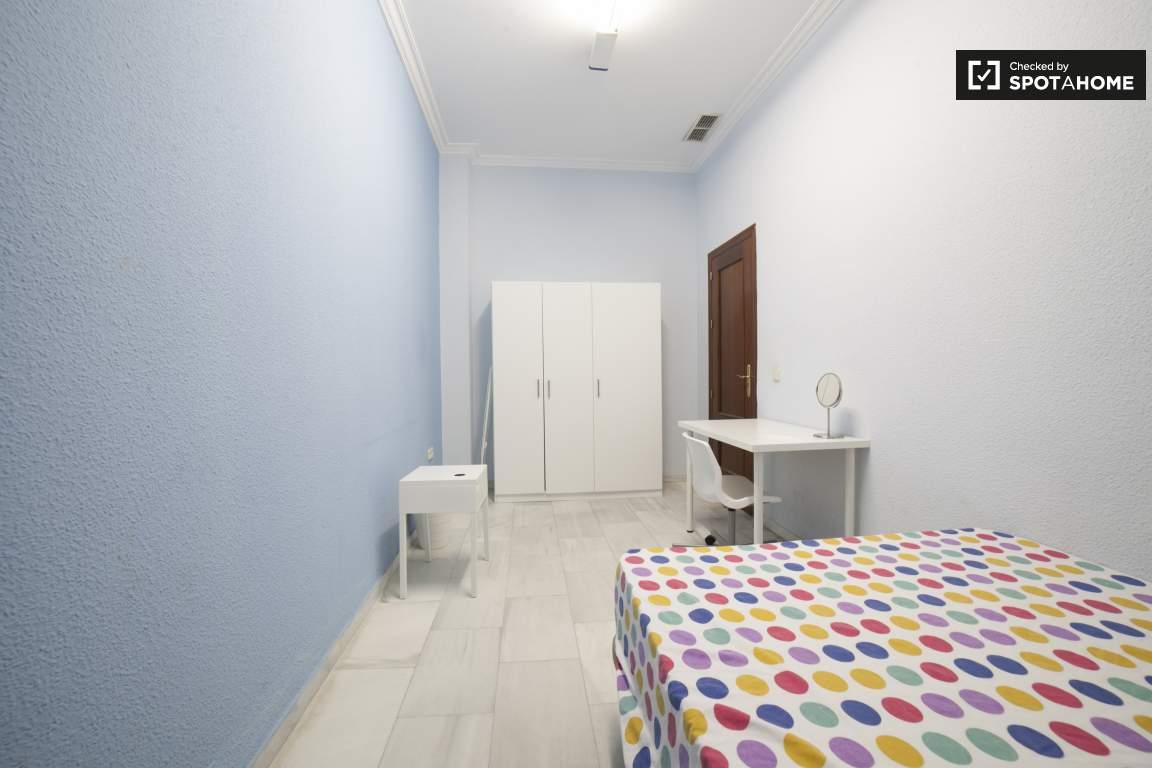 Bedroom 7 (377)