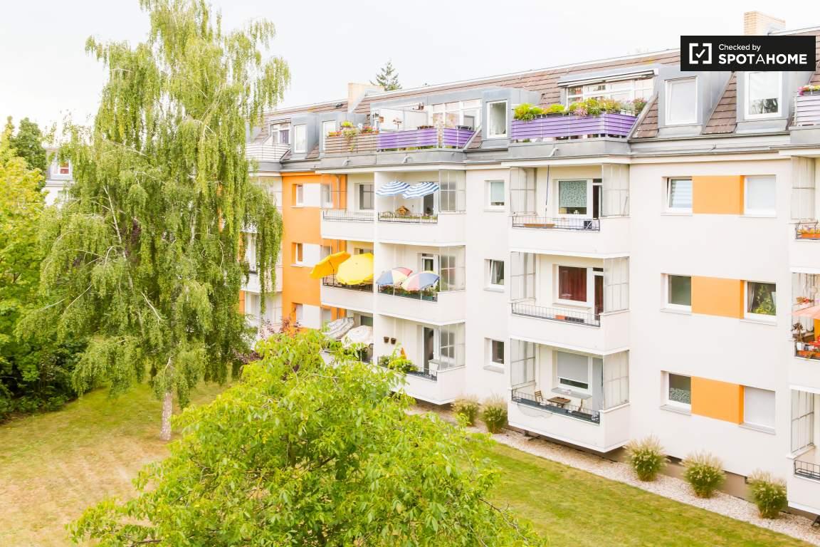 View (Bedroom 3)