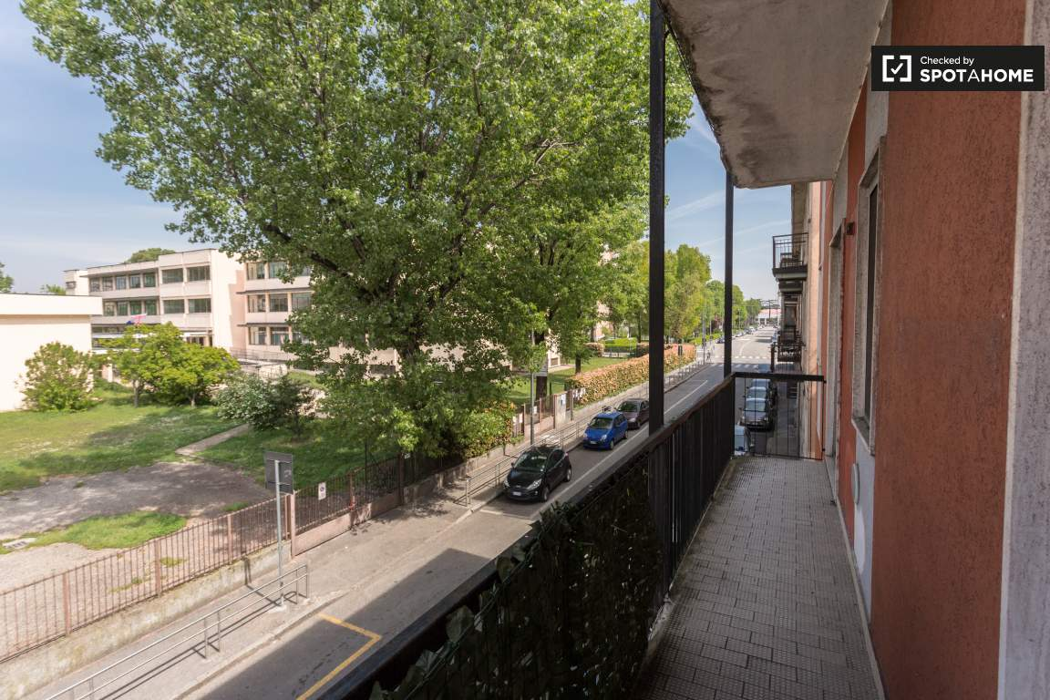 Balcony (bedroom 2 & 3)