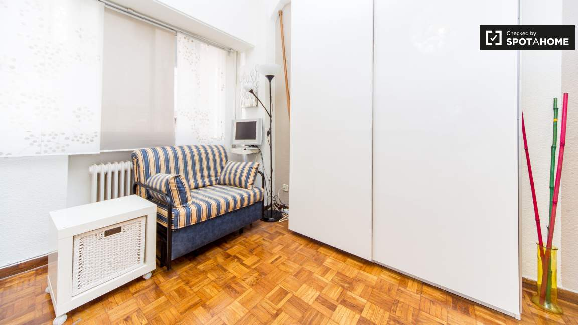 Living & Sleeping Room