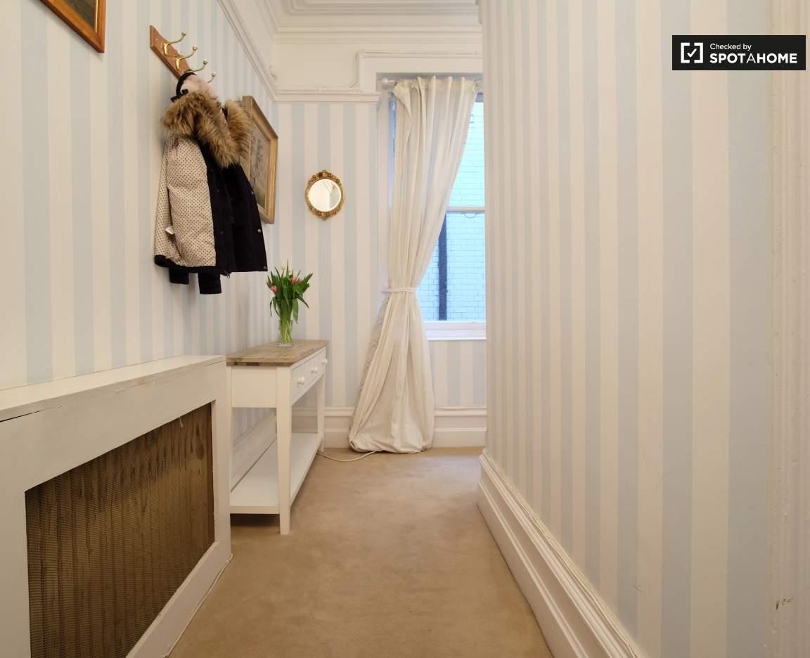 Entrance / Corridor
