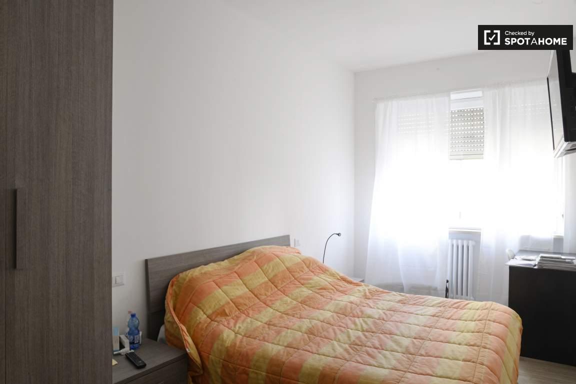 Bedroom #2 01