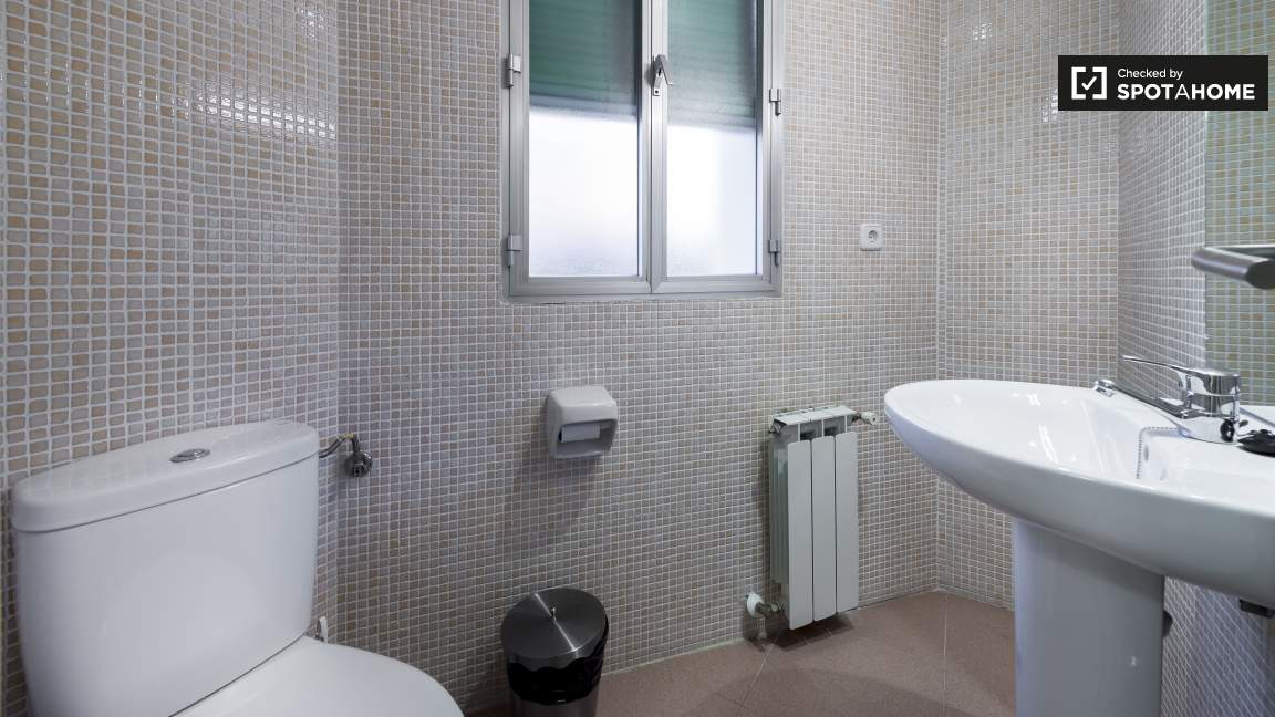 Single Room Shared Bathroom