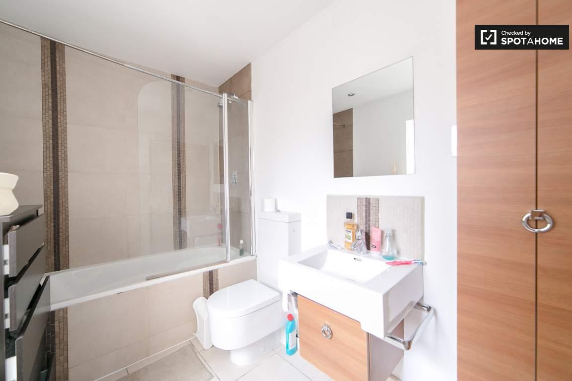 Ensuite Bathroom - Room C