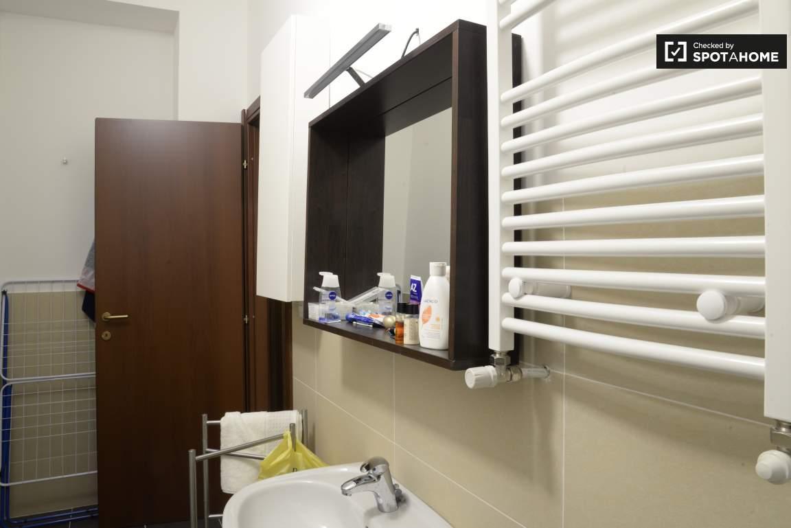 Bathroom #2 02