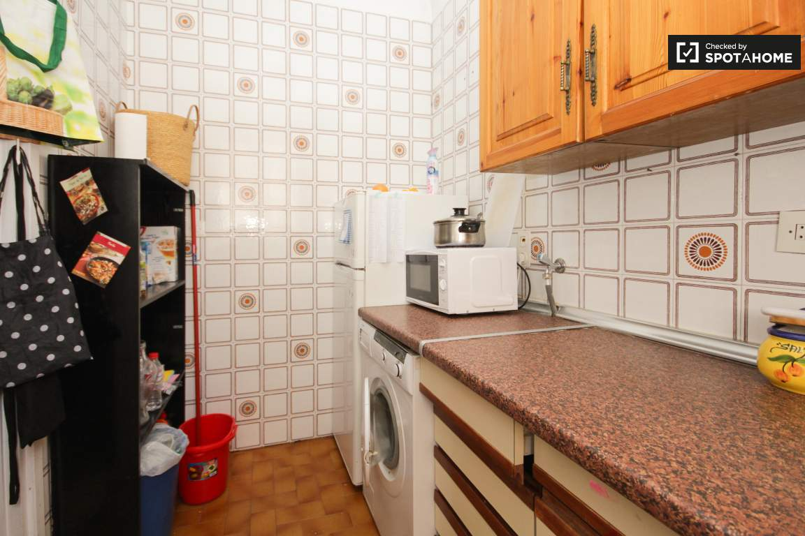 Kitchen (3rd floor)