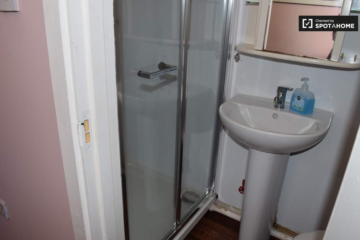 Bathroom (bedroom 15 en-suite)