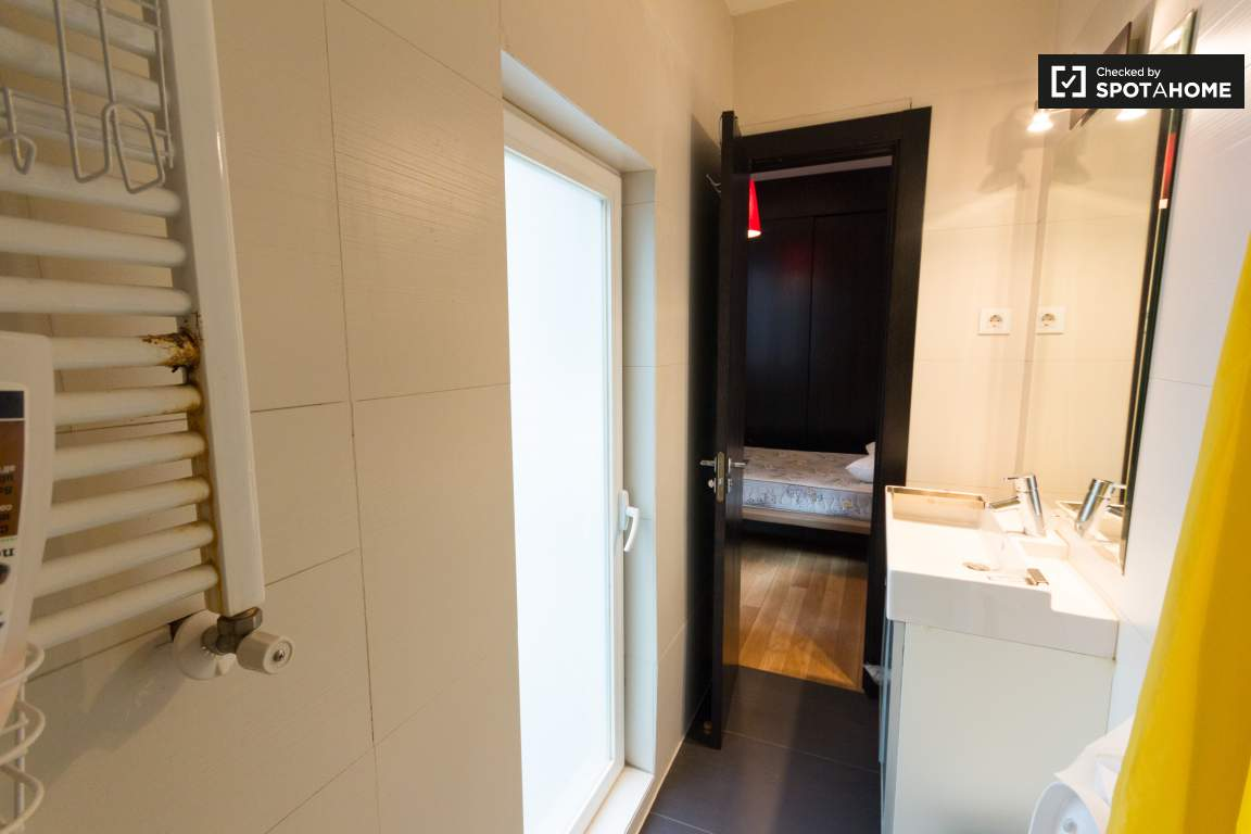 Bedroom #5 Private Bathroom