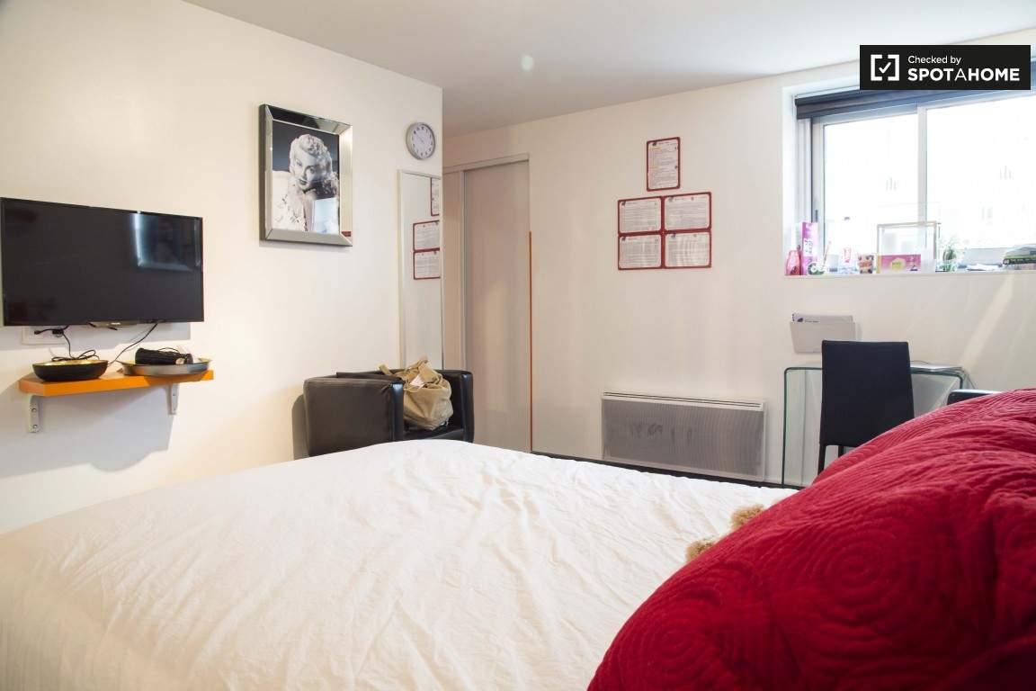 Bedroom (Vieux Lyon)