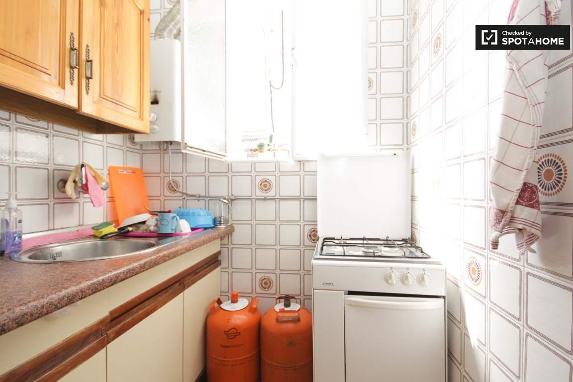 Kitchen (3rd floor)