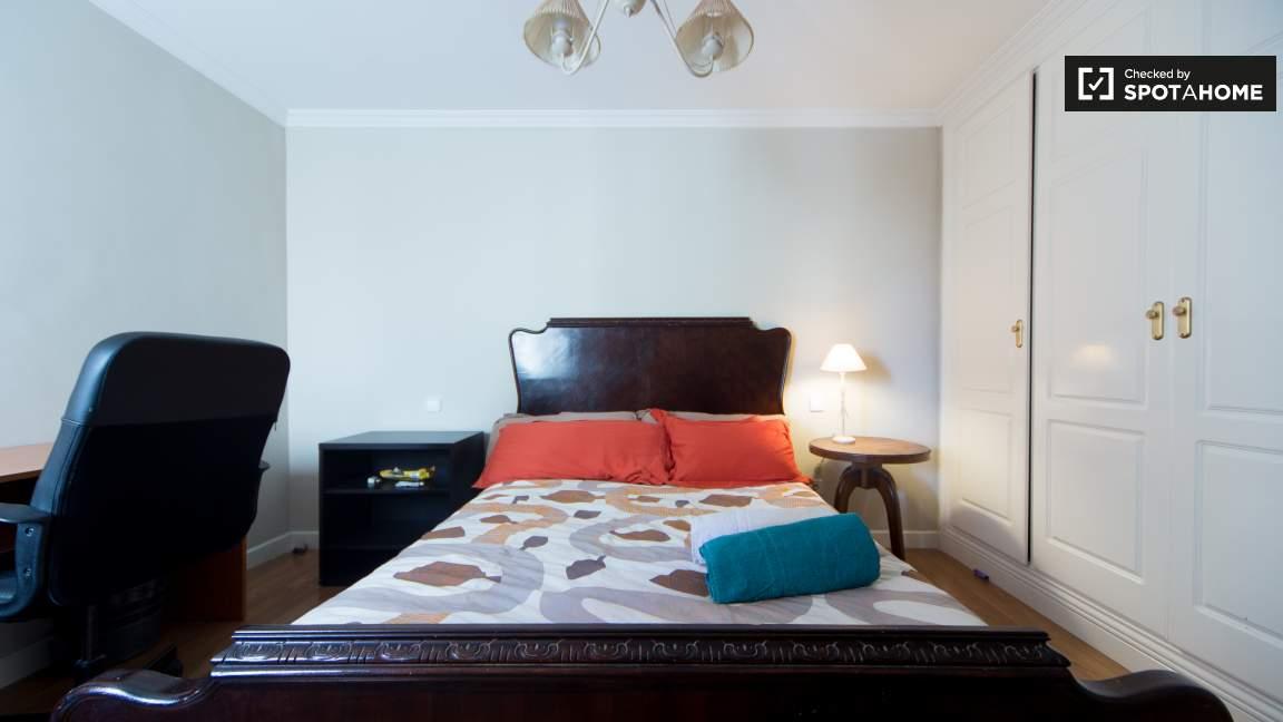 Double Bedroom 79951