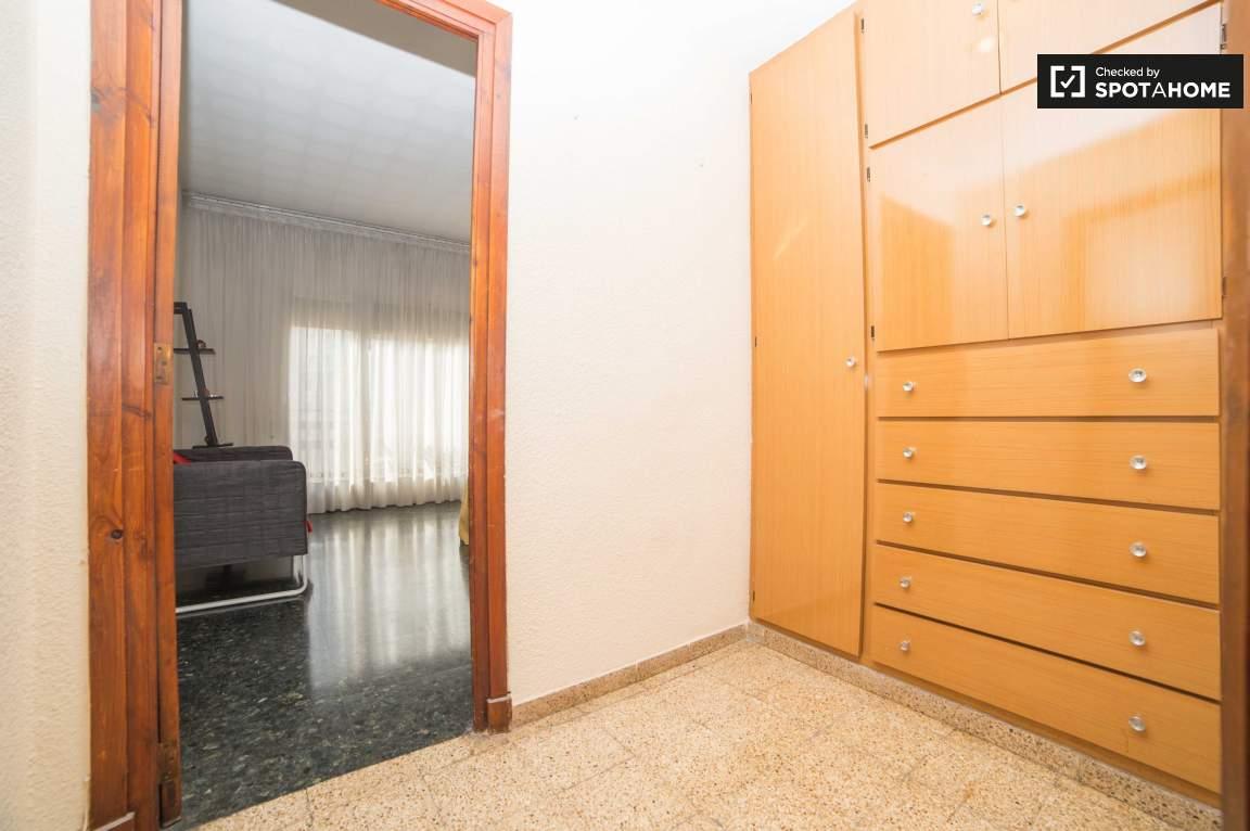 Bedroom 3-Walk-in-closet