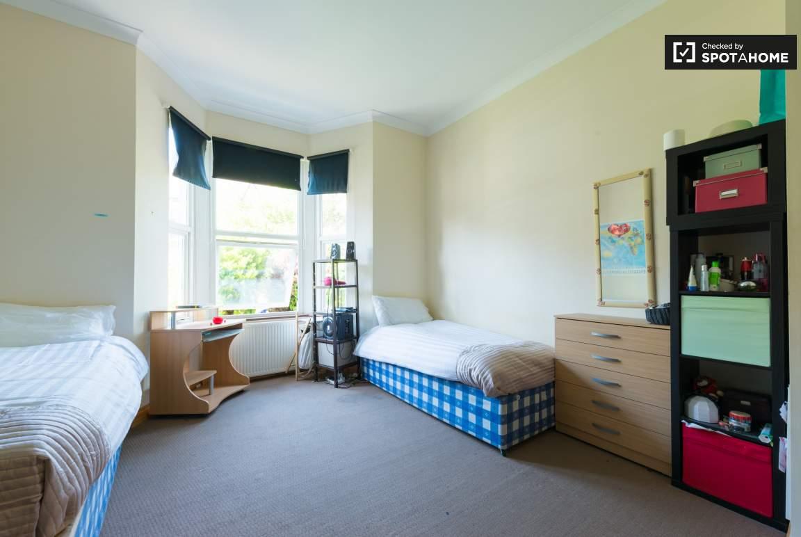 Bedroom 1 -  twin option