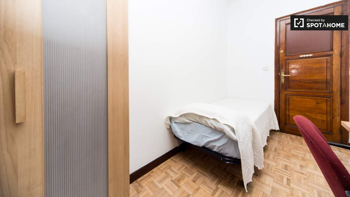 Bedroom type 3 - single bed