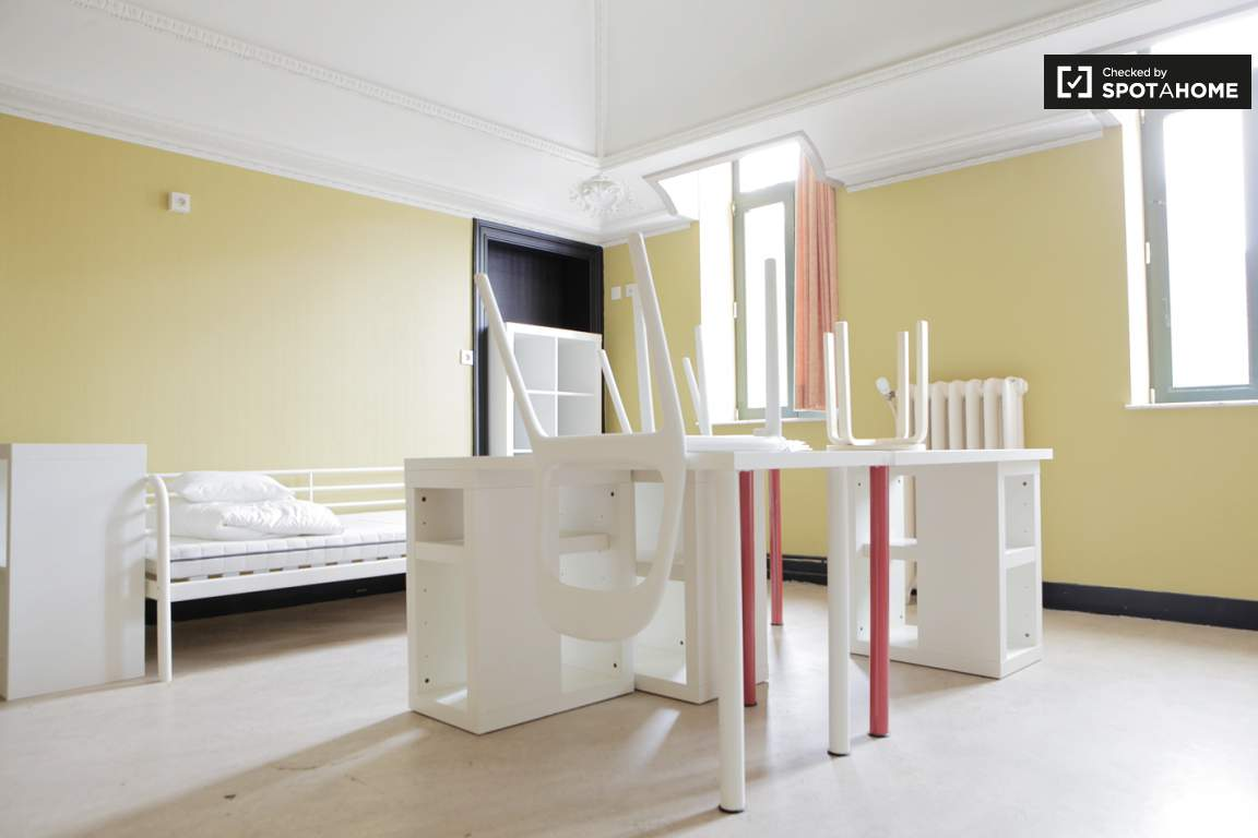 Bedroom 302