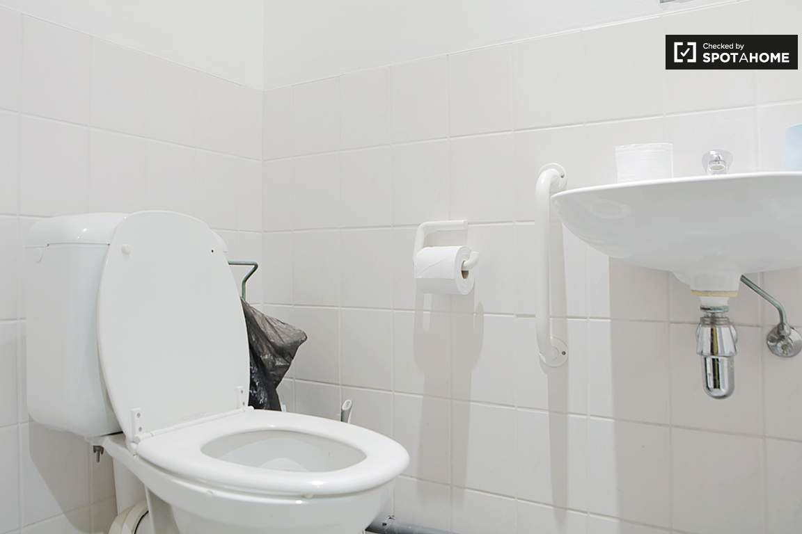 Common toilet room