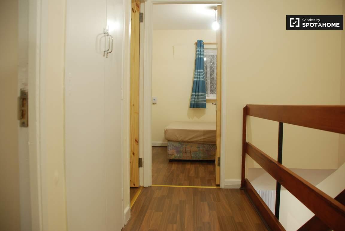 Bedroom 5/ Hall