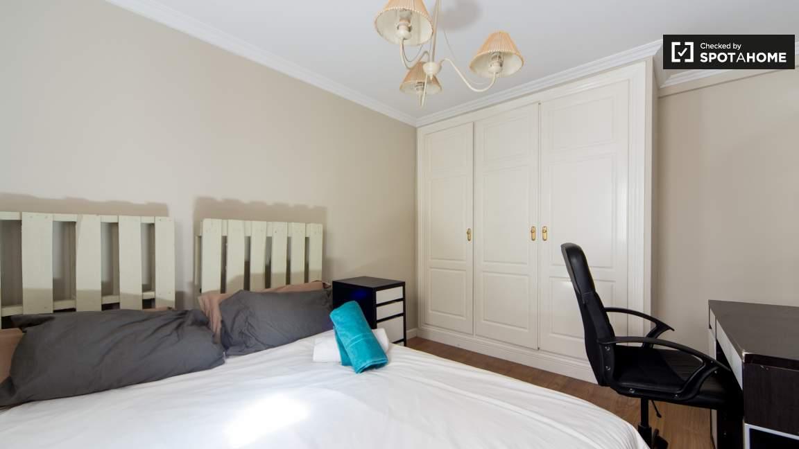 Double Bedroom 79952