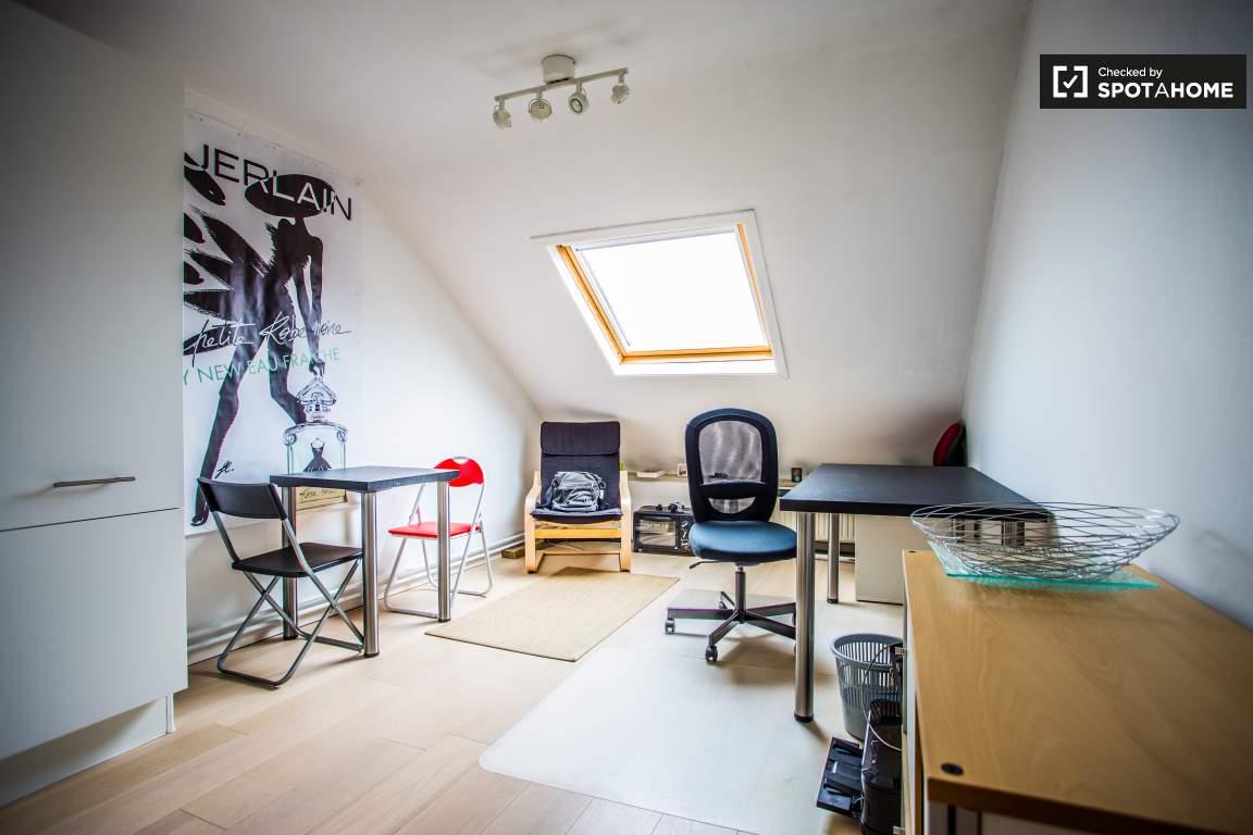 Bedroom 1 living room