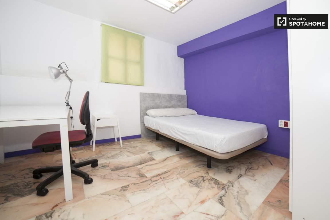 Bedroom 282