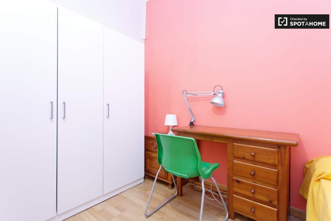Bedroom 0