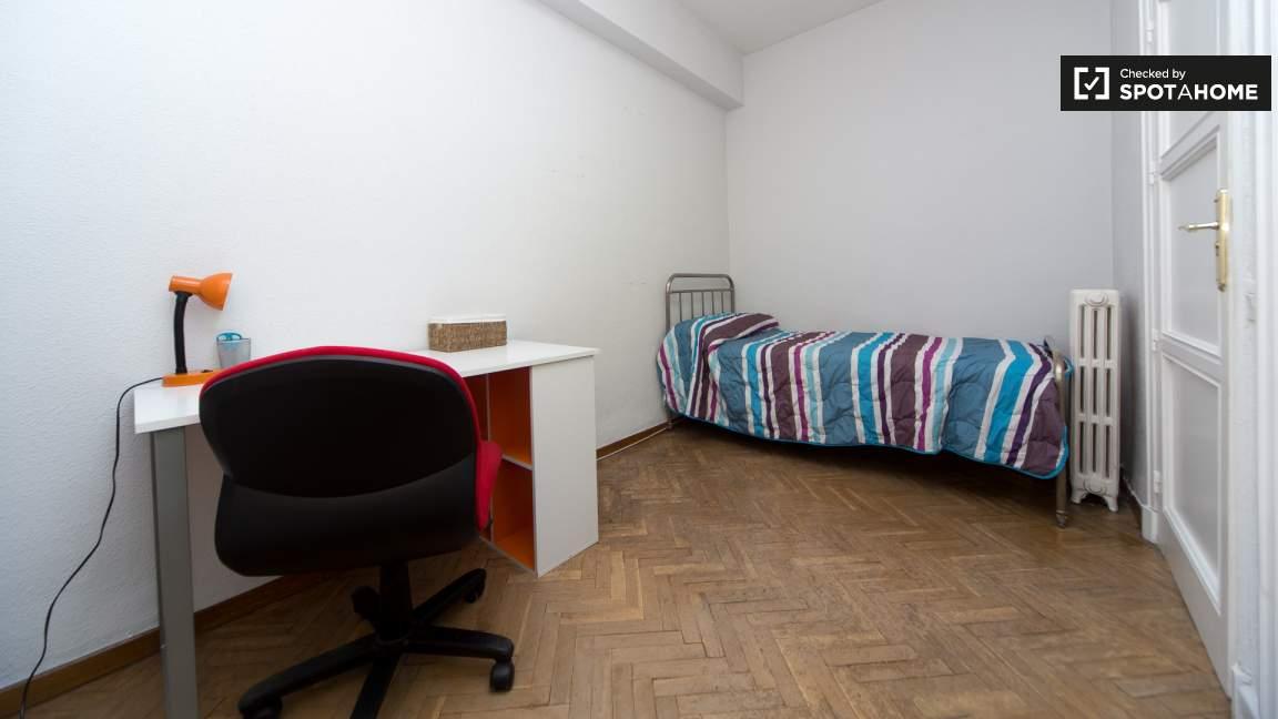 Bedroom 1single bed