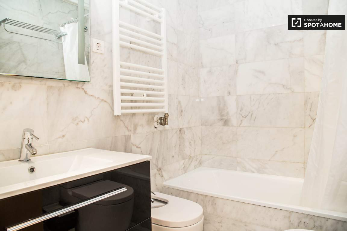 BATHROOM BEDROOM 1