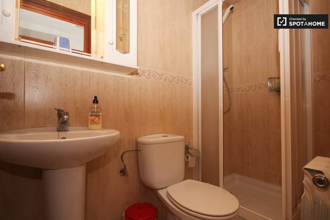 room 11_bathroom