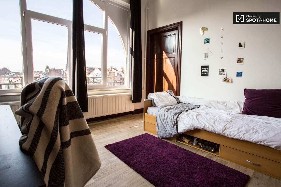 Bedroom 3 (lower floor)