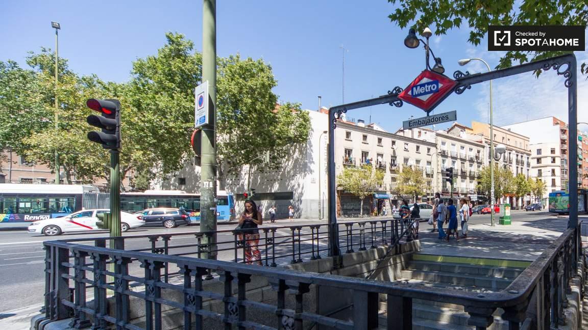 Embajadores metro station