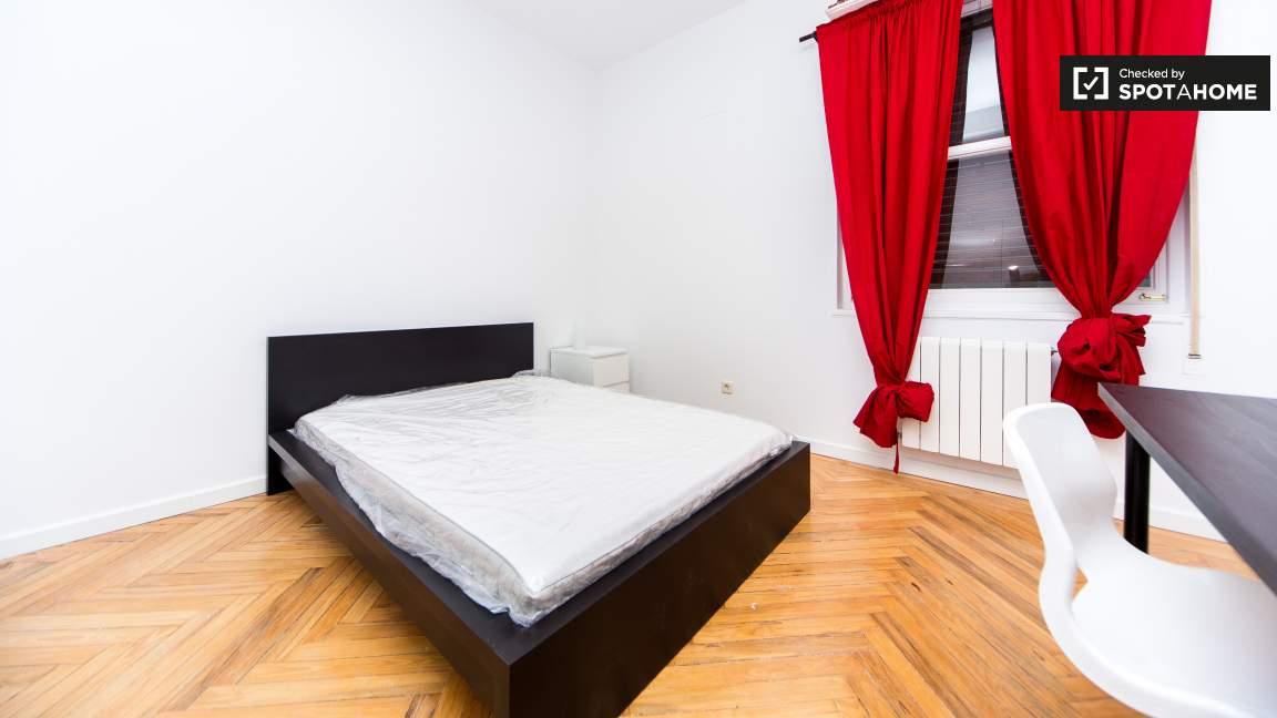 Room 6 - 80359