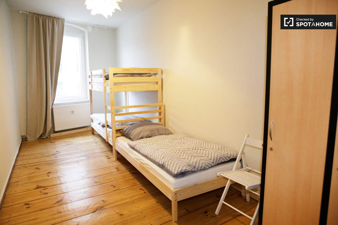 Bedroom 2 - bed 1